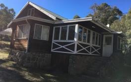 Stone & Wood Cottage, Old Adaminaby