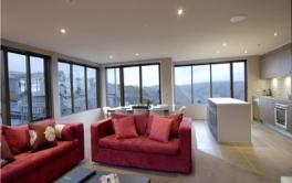 Absollut 3, Hotham - Lounge