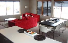 Absollut 5, Hotham - Living Room