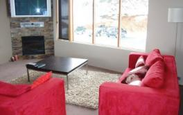 Absollut 7, Hotham - Lounge