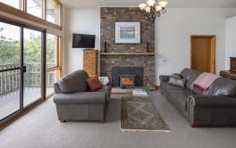 Alpine House, Jindabyne - 3 BD/1BA/6 Guests