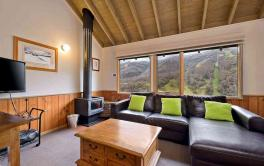 Banjo 4, Thredbo - 3BD/2BA/6 Guests