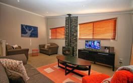 Boronia 2, Jindabyne - Lounge