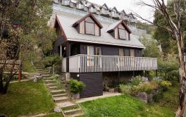 Crackenback Castle, Thredbo - 2BD/1BA/6 Guests