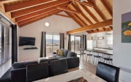 Kestrels Rest 2, Jindabyne - Living Room
