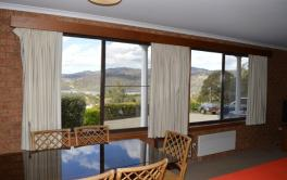 Brown House 2, Jindabyne - Dining