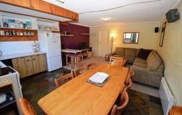Lake Pines 2, Jindabyne - 3BD/2BA/9 Guests