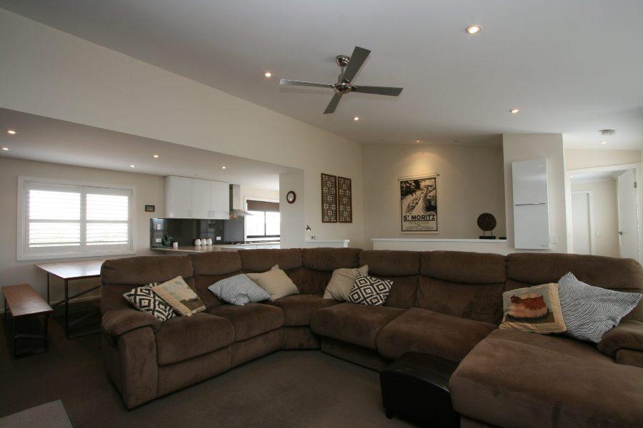 22 Twynam St, Jindabyne - Lounge Room