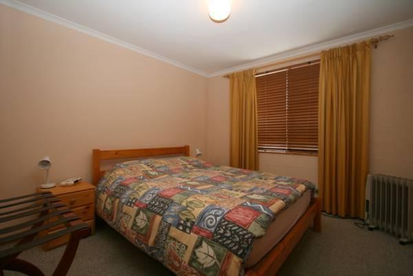 3/9 Park Road, Jindabyne - Bedroom 1
