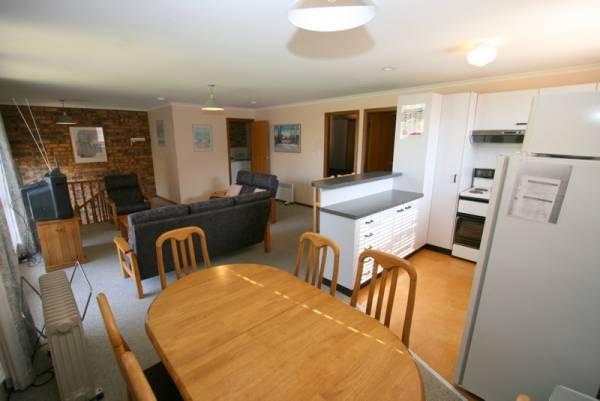 3/9 Park Road, Jindabyne - Living Room
