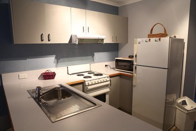 Parkwood 4, Jindabyne - Kitchen