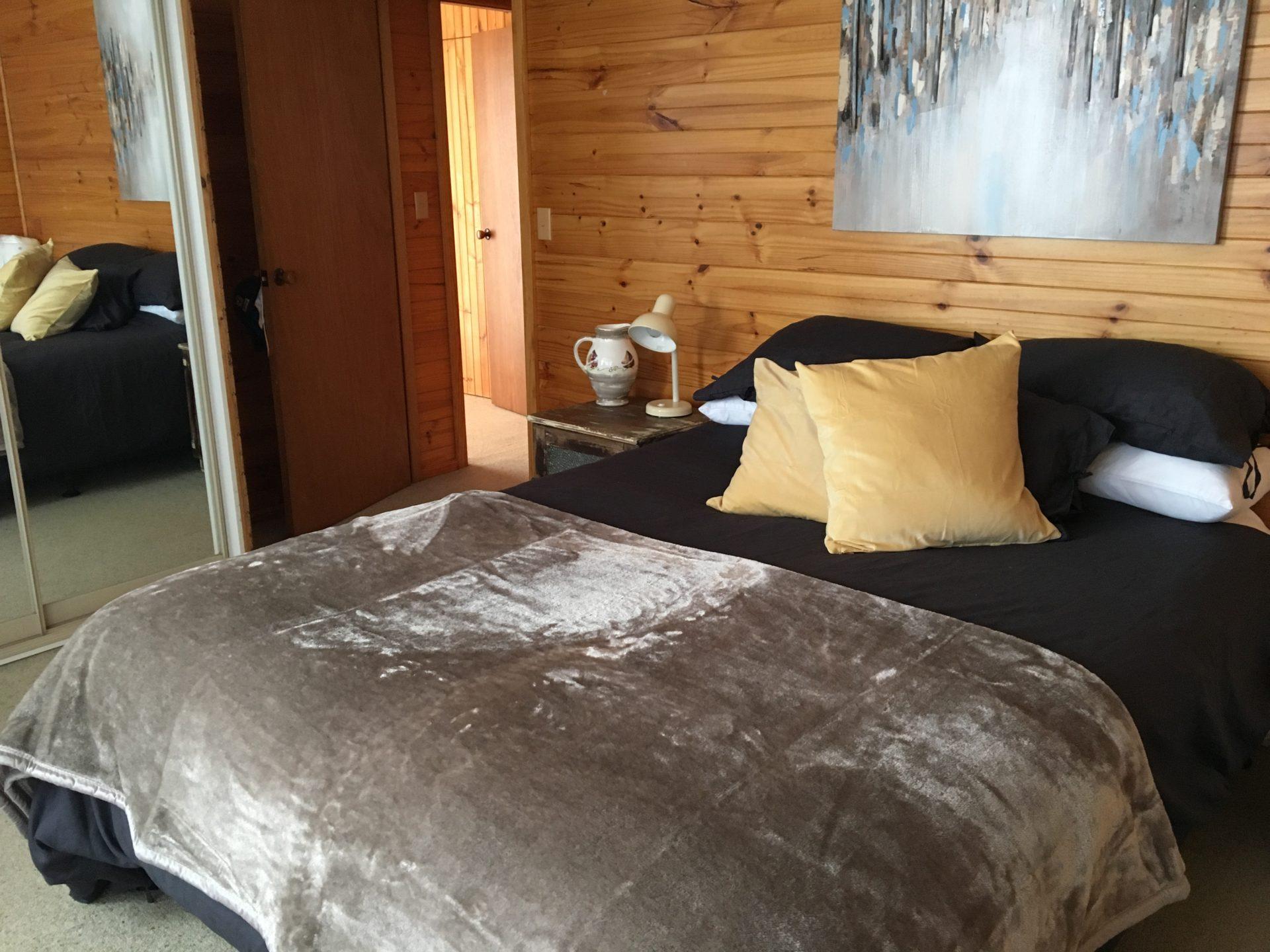 Stone & Wood Cottage, Old Adaminaby - Bedroom 2
