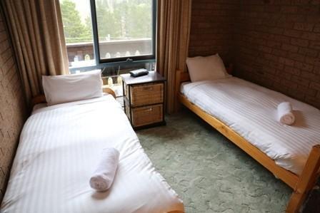 Haus Tirol 4, Jindabyne - Bedroom 2