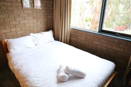 Haus Tirol 4, Jindabyne - Bedroom 1
