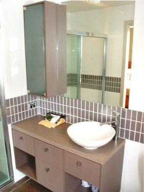 Absollut 7, Hotham - Bathroom