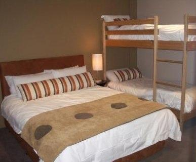 Absollut 7, Hotham - Bedroom