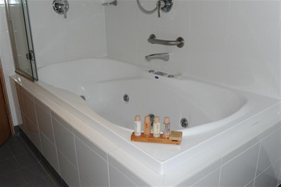 Akuna 3, Thredbo - Bath