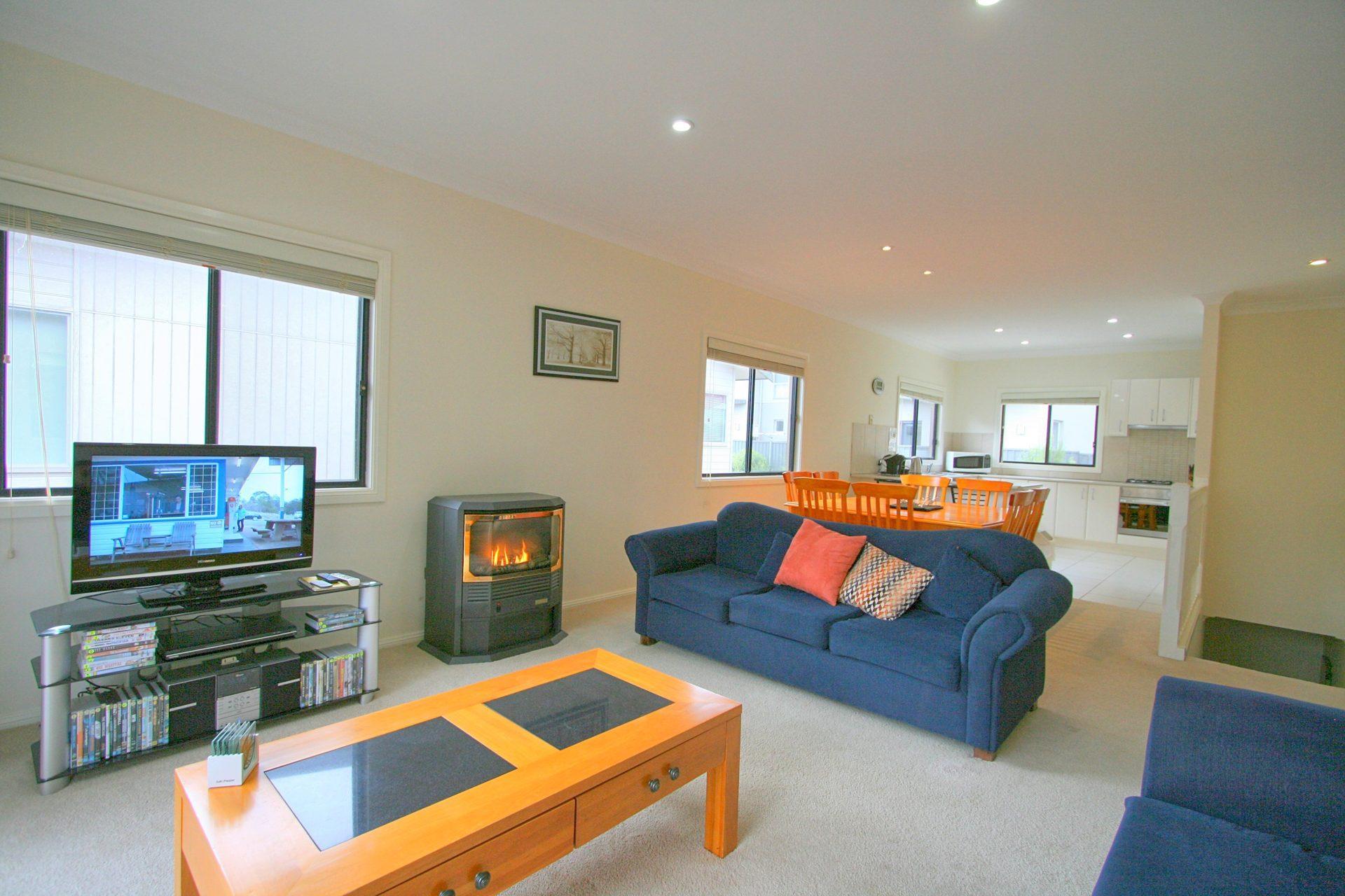 Alaska 2, Jindabyne - Living Room