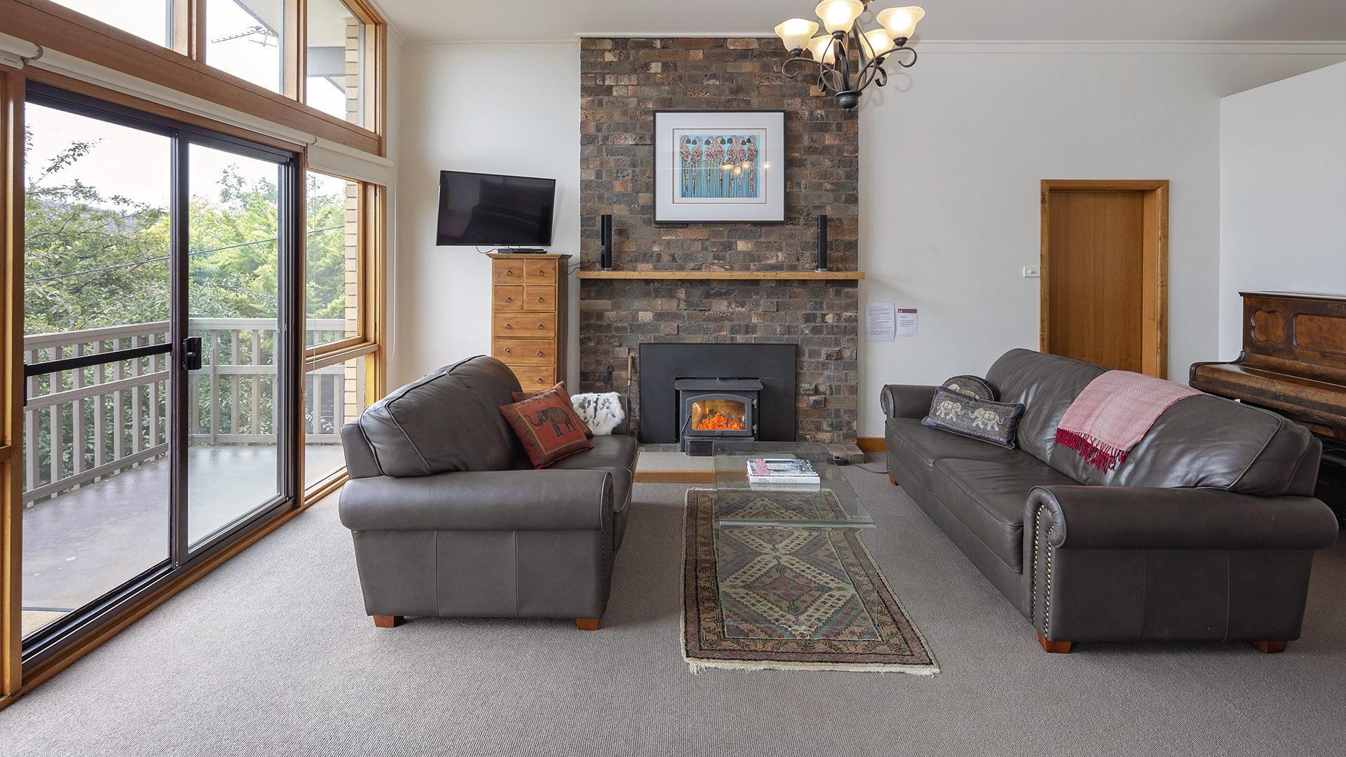 Alpine House, Jindabyne - 3 BD/1BA/6 Guests