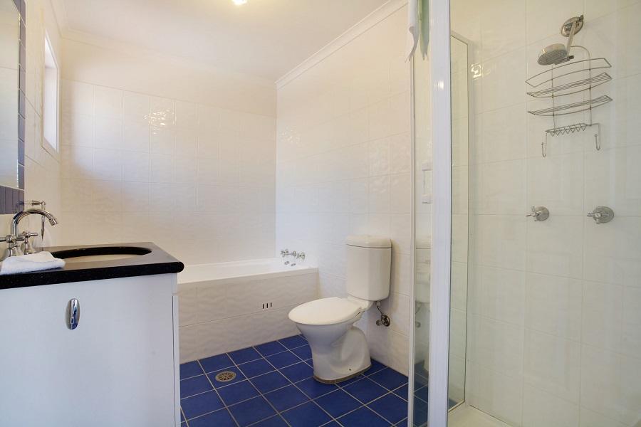 Artemis 2, Jindabyne - Bathroom