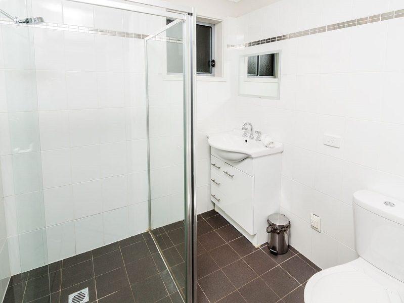 Aspect 2, Jindabyne - Bathroom