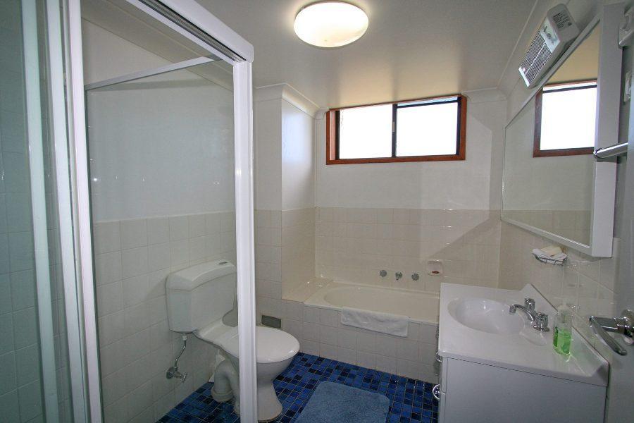 Aviemore 4, Jindabyne - Bathroom