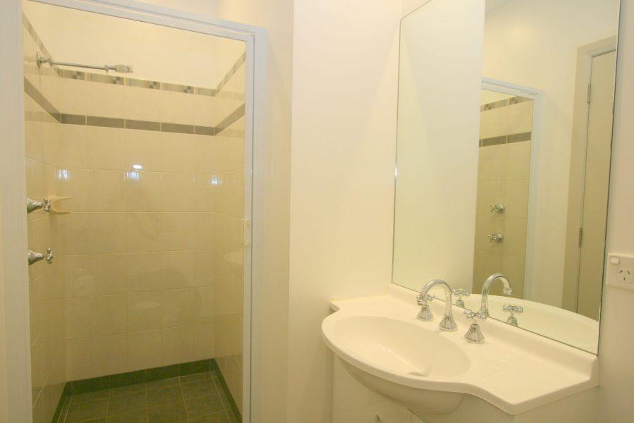 Banjos Way 1, Jindabyne - Bathroom 1