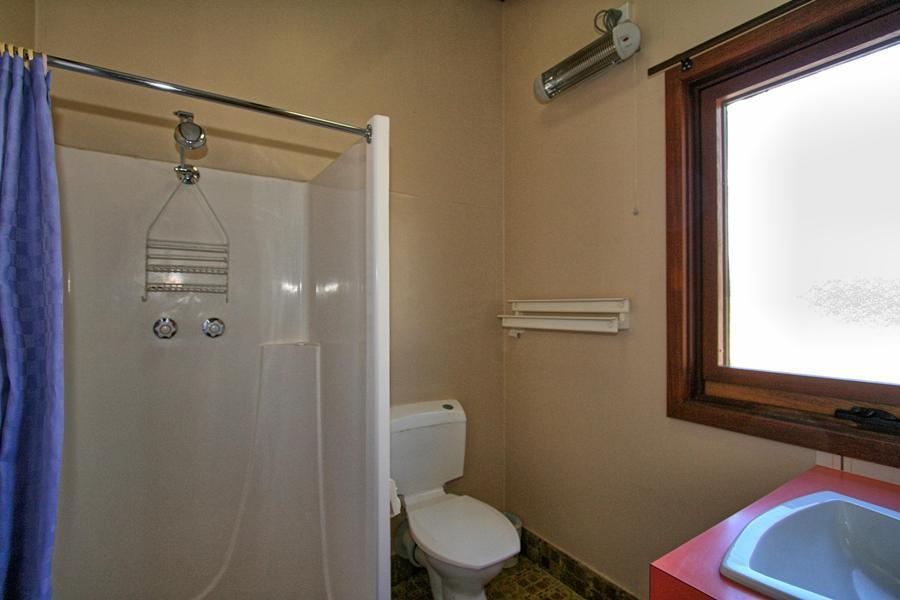 The Lakefront, Jindabyne - Bathroom