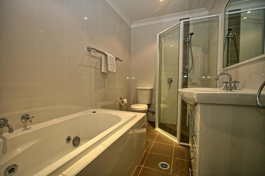 Northstar 1, Jindabyne - Bathroom