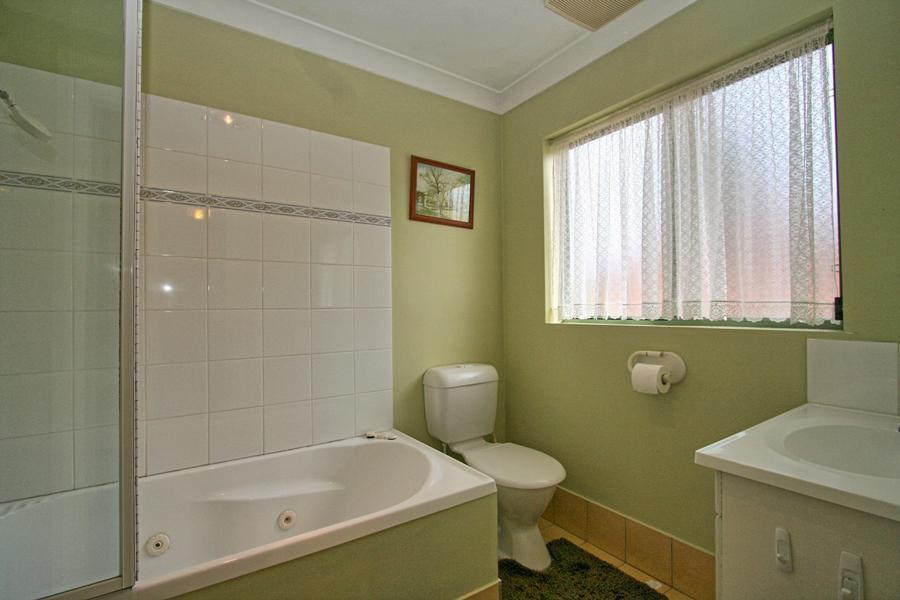 Cobb & Co 3, Jindabyne - Bathroom
