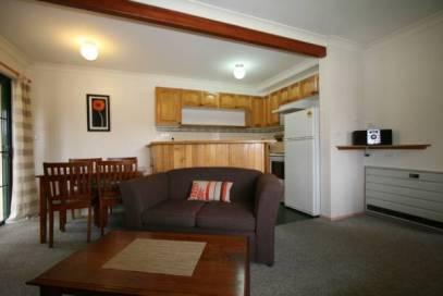 Bayview 2, Jindabyne - Living Room