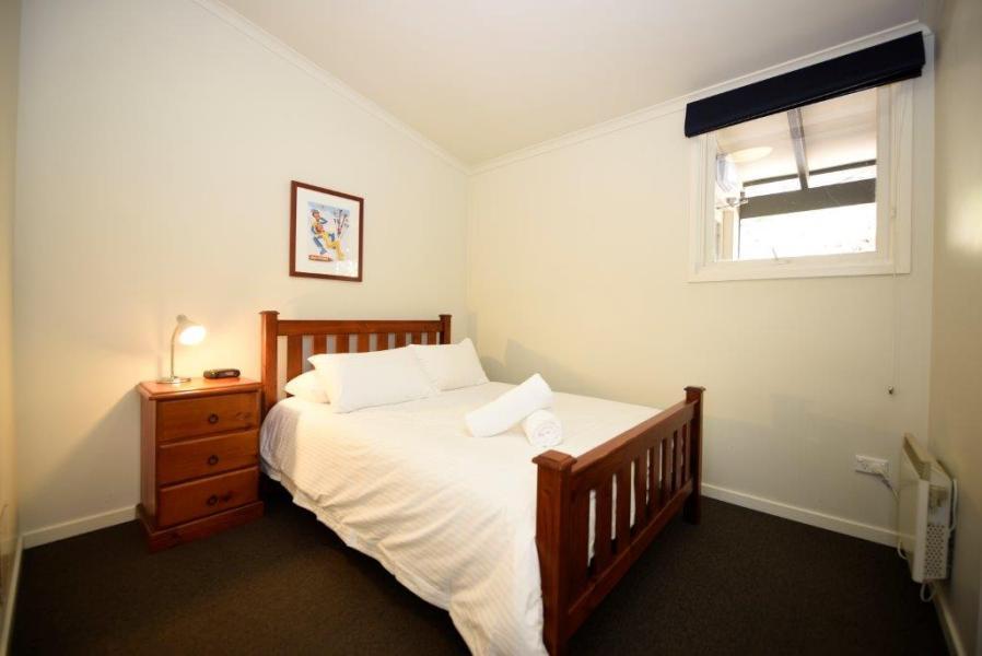Karas 5, Thredbo - Bedroom 1