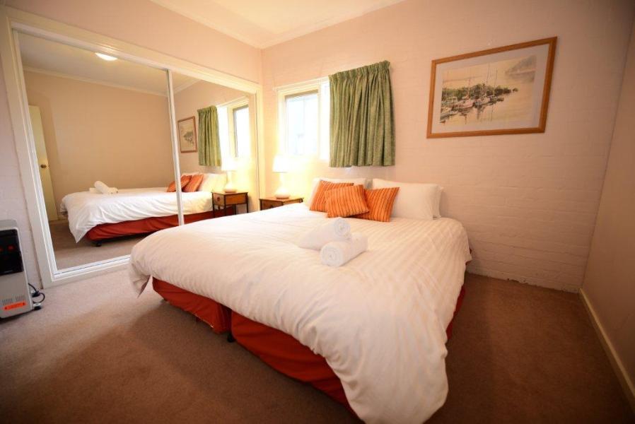 Inala 4, Thredbo, Bedroom 2