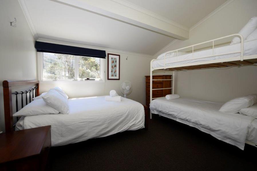 Karas 5, Thredbo - Bedroom 2