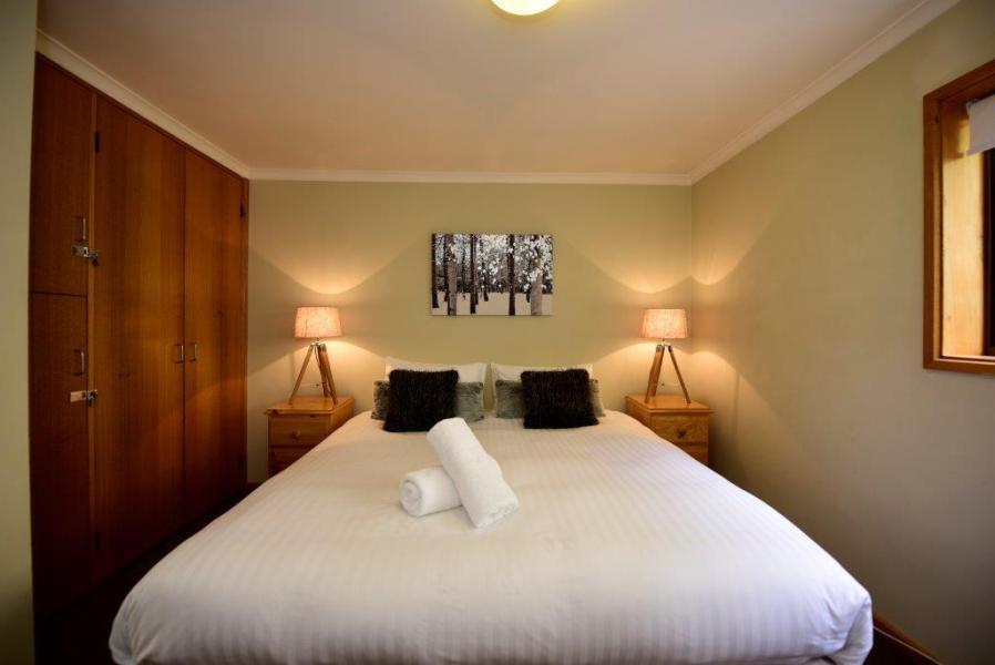Mowamba E2, Thredbo - Bedroom 1