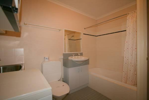 Beechwood 1, Jindabyne - Bathroom