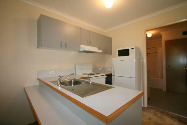 Beechwood 1, Jindabyne - Kitchen