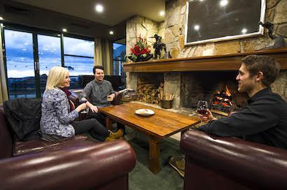 Mt Buller Chalet - Black Cockatoo Lounge