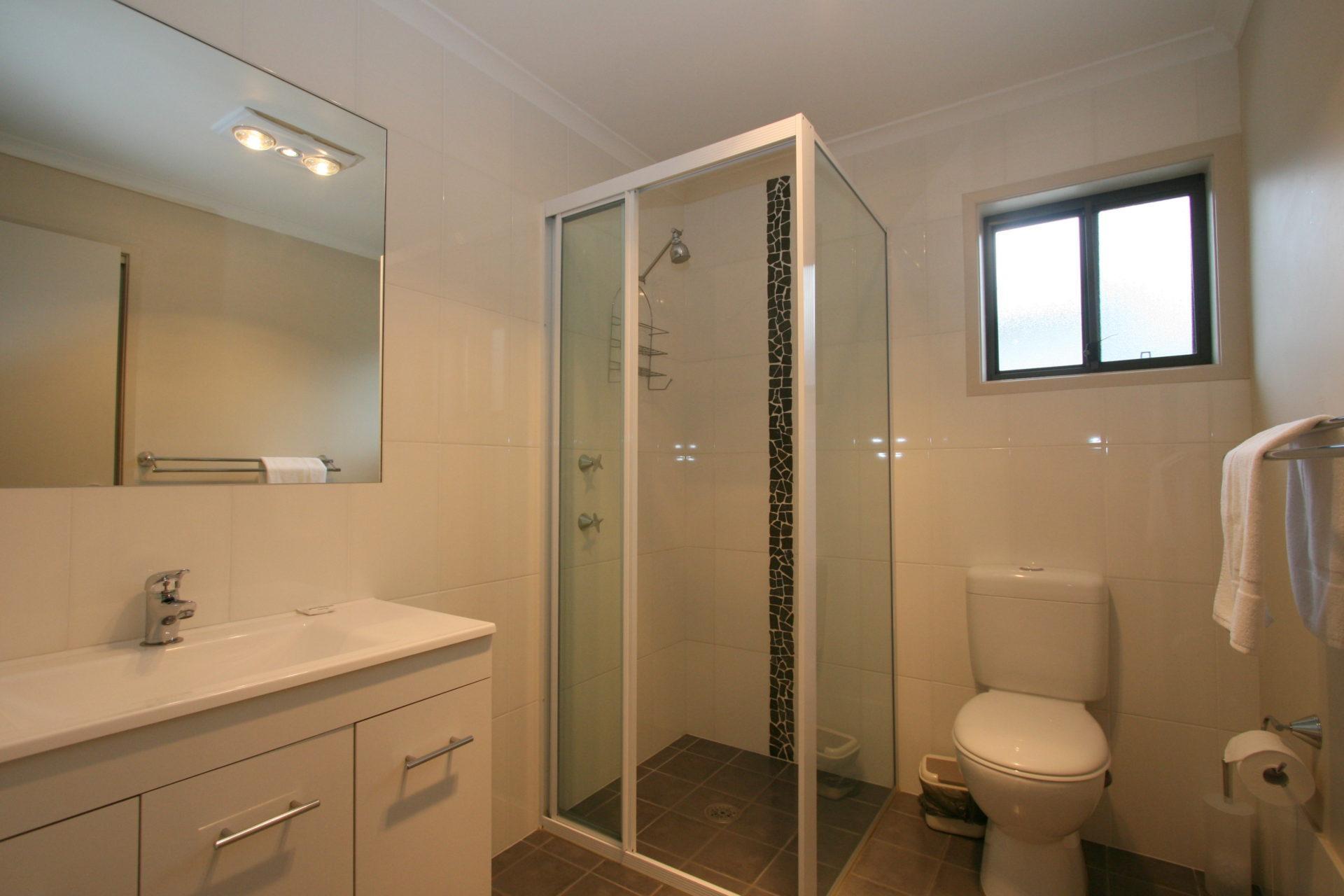 Boronia 4, Jindabyne - Bathroom 2