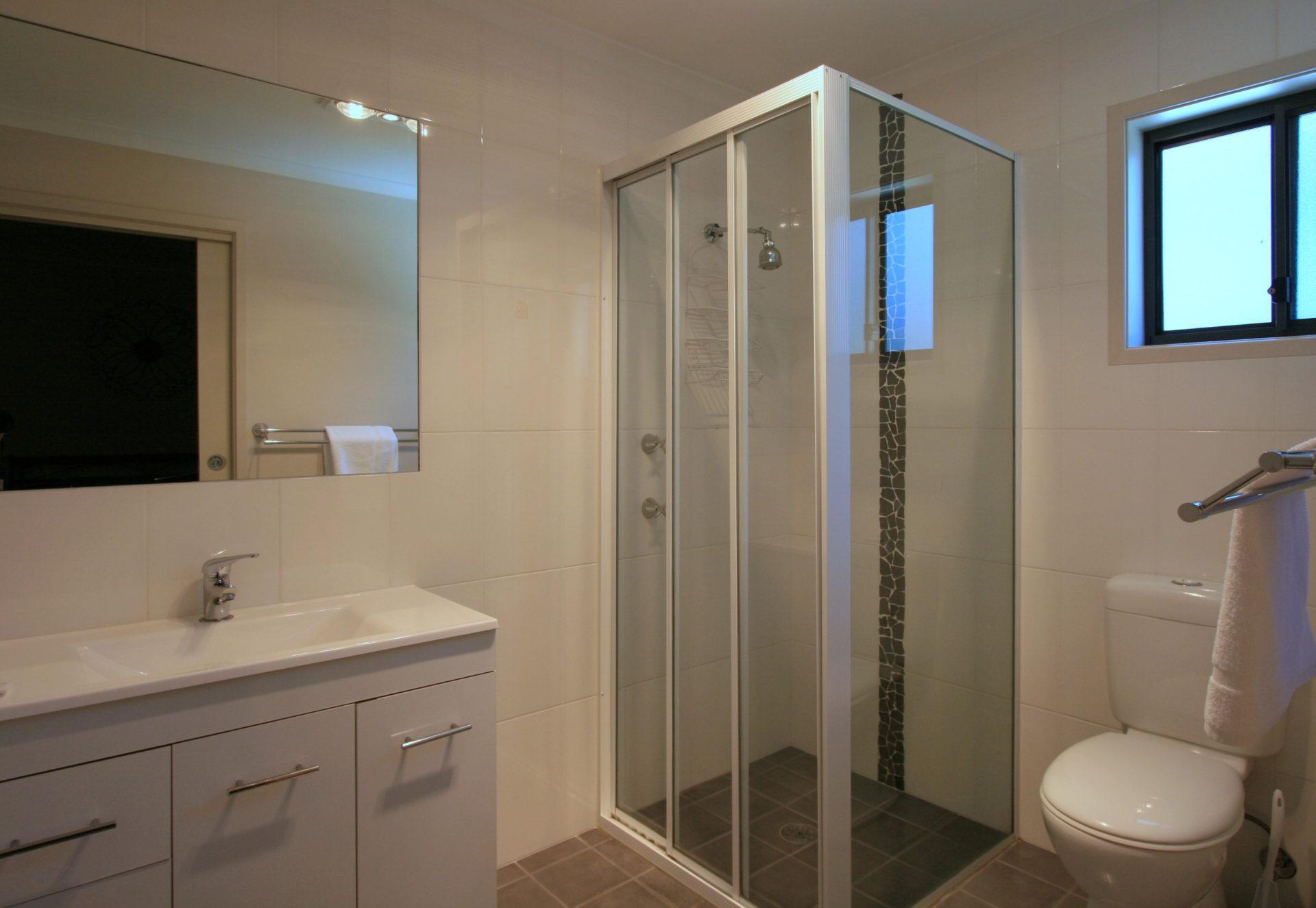 Boronia 6, Jindabyne - Bathroom 2