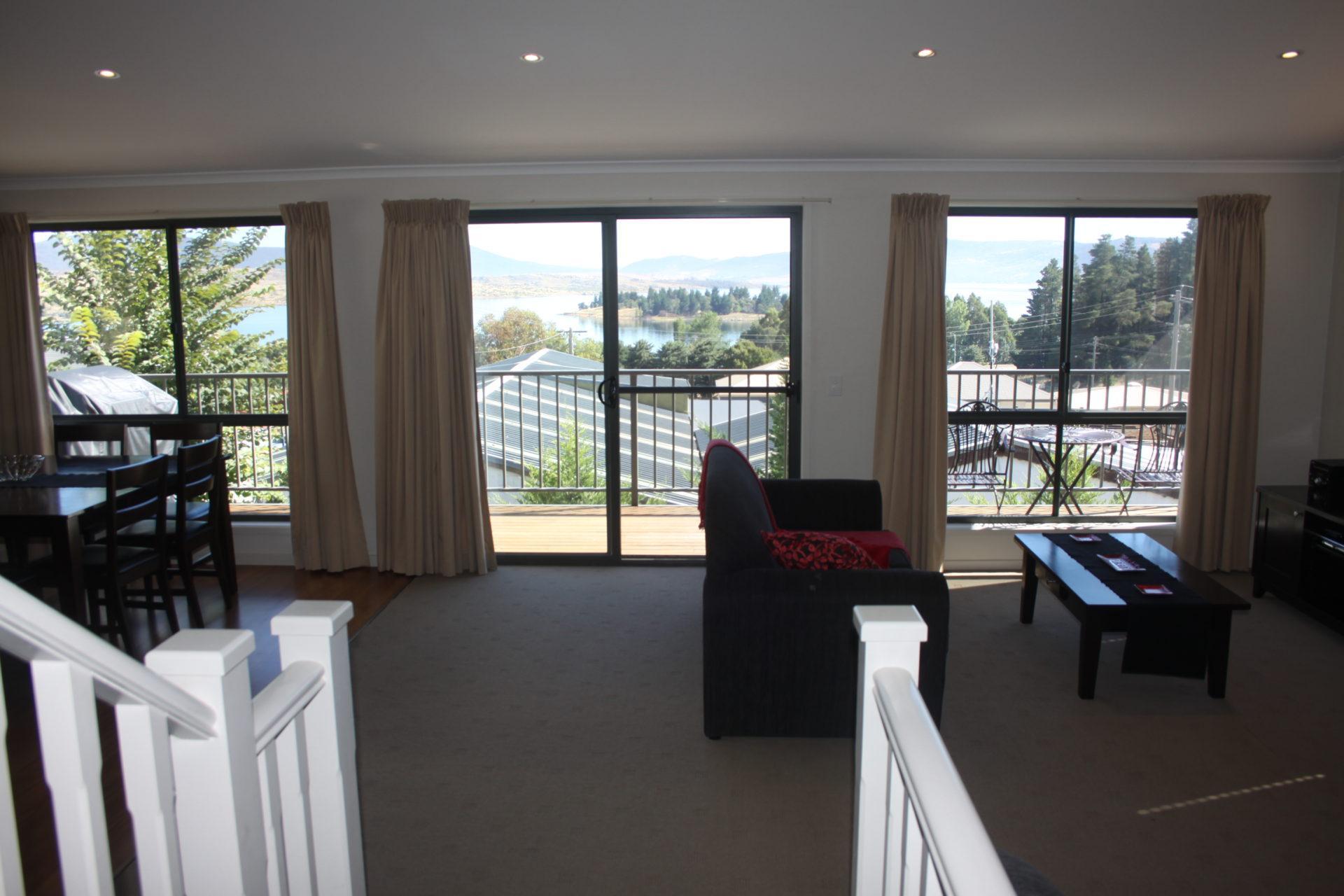 Boronia 6, Jindabyne - View and Balcony