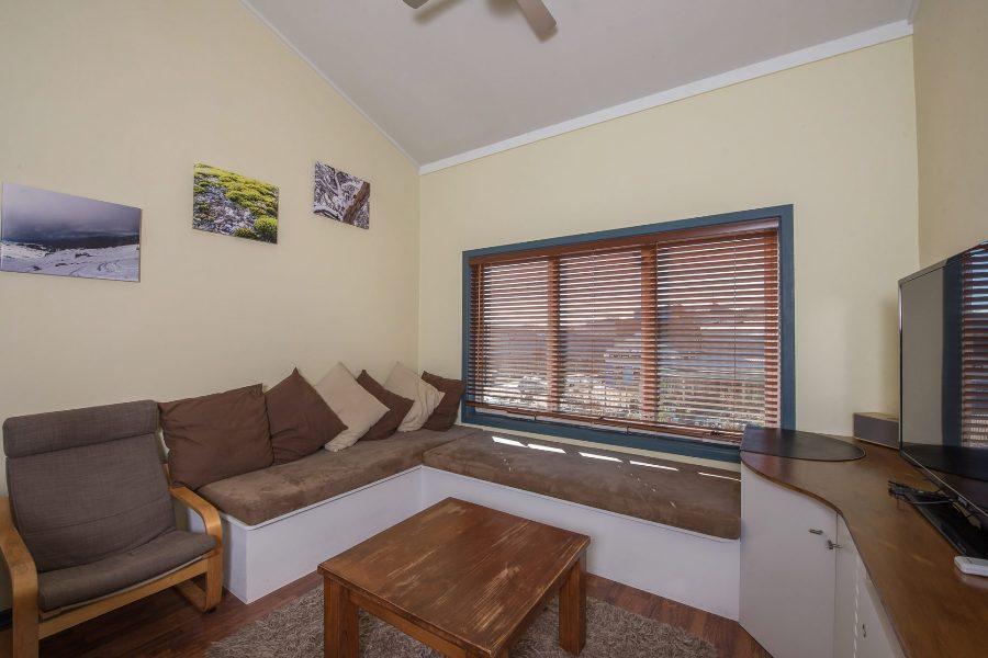 Central Abode, Jindabyne - Lounge