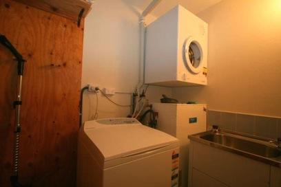 Chalet Rene, Jindabyne - Laundry
