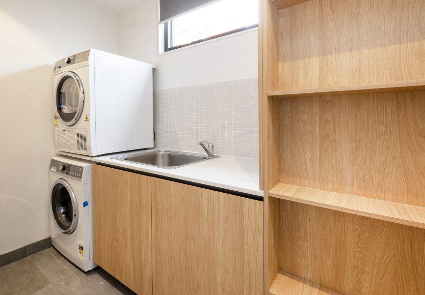 Chilam C, Jindabyne - Laundry