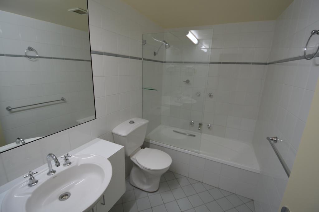 Crackenback 27, Lake Crackenback Resort - Bathroom