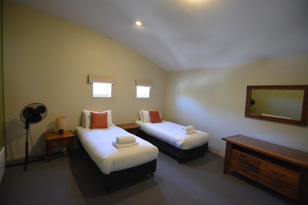 Crackenback 27, Lake Crackenback Resort - Bedroom 2