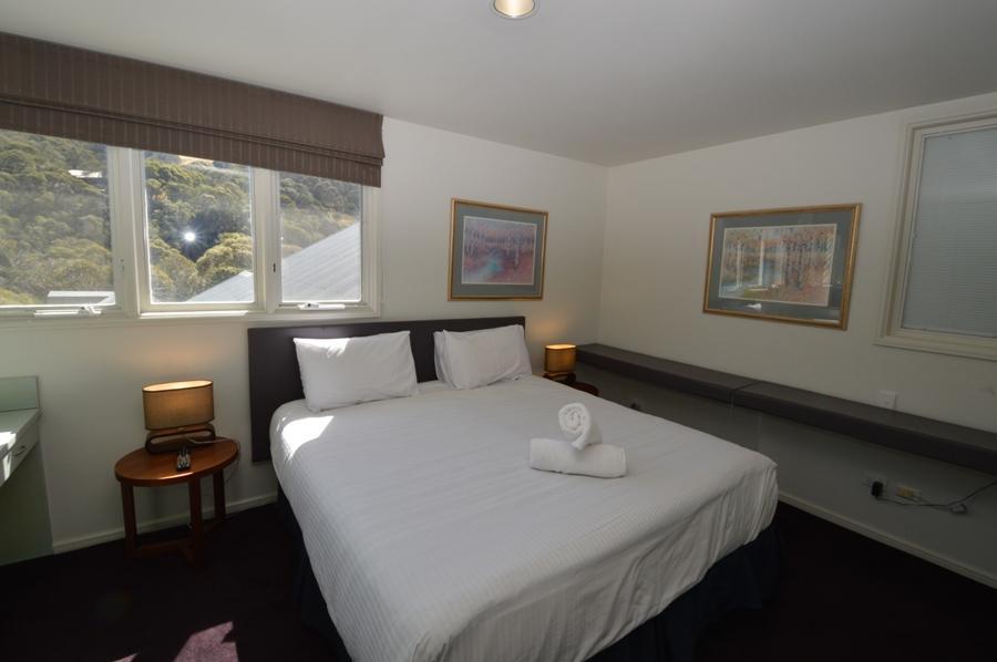 Aspect 2A, Thredbo - Bedroom 1