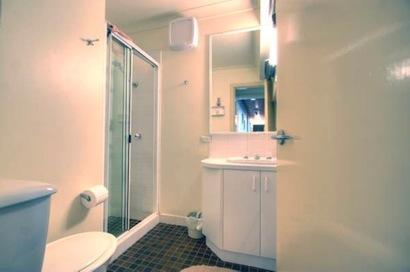 Dauphine 3, Jindabyne - Bathroom