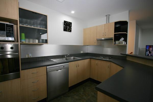 Dromaius 2, Jindabyne - Kitchen