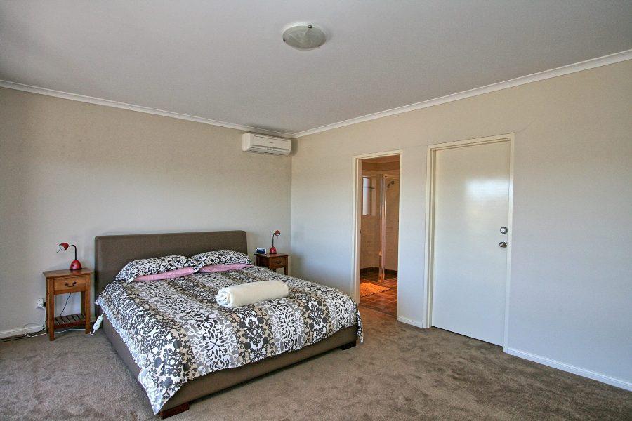 Eclipse 13, Jindabyne - Bedroom 1